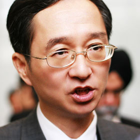 Dr. Robert Su, Professor and Dean, College of Commerce
