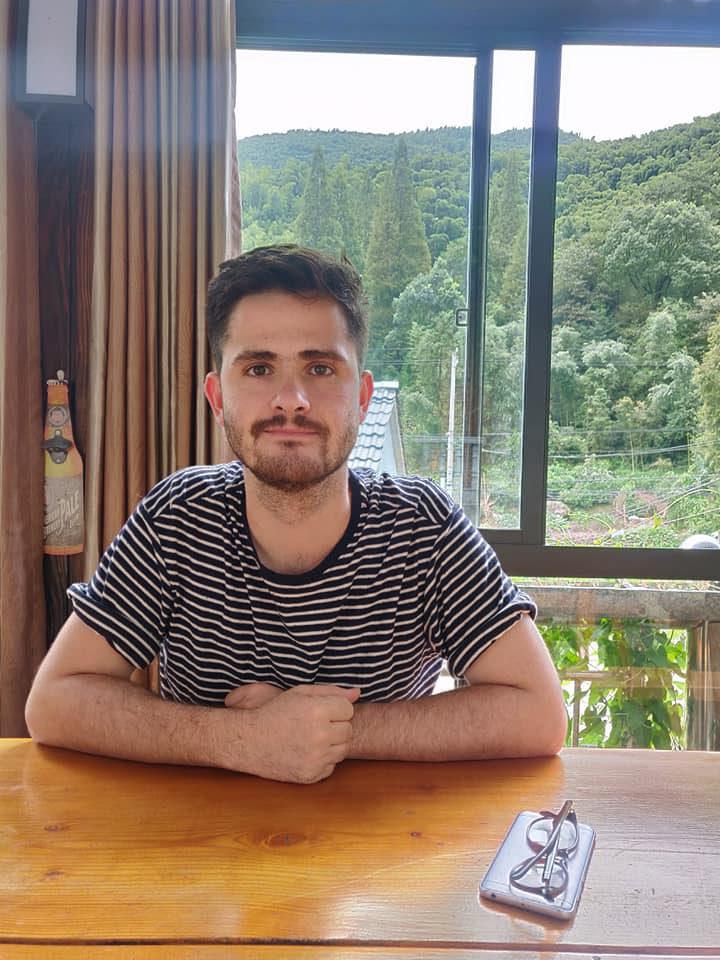 Teaching English and Living in Taiwan, English Teacher looking for position in Taiwan image
