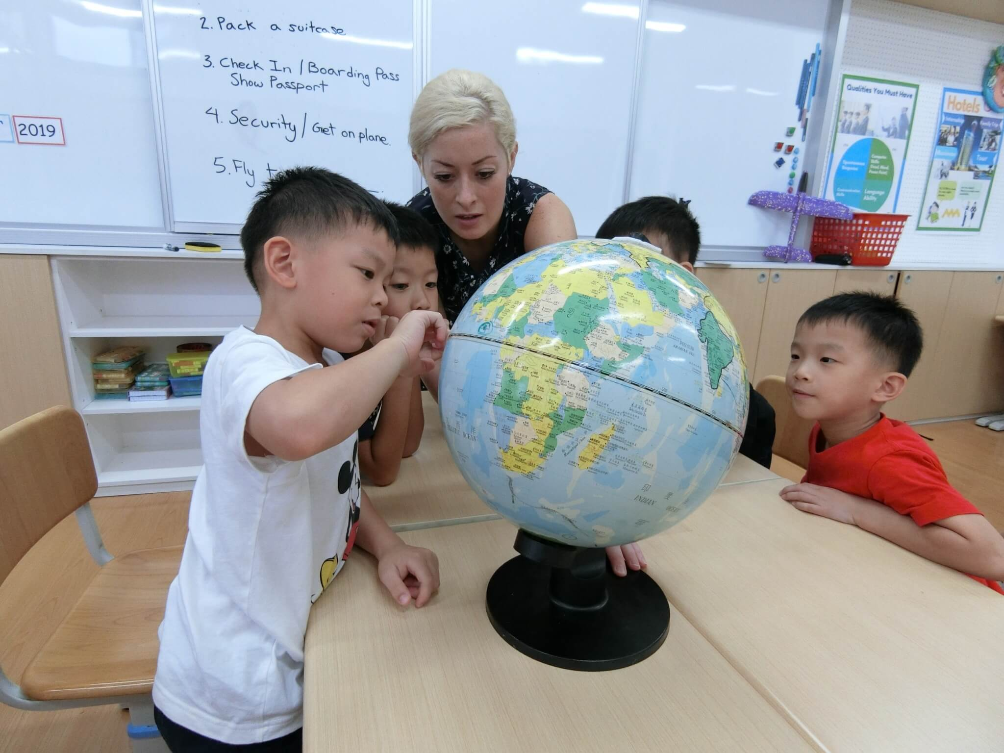 Teaching English and Living in Taiwan Jobs Available 教學工作, Season Arts Children's Institute Seeking Friendly, Energetic and Dedicated Teachers for Full Time Teaching image