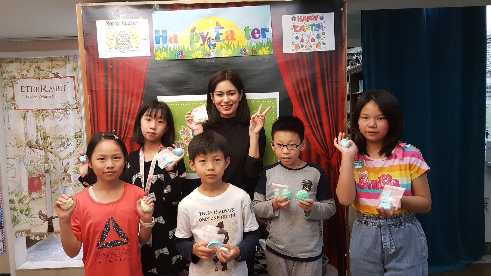 Teaching English and Living in Taiwan Jobs Available 教學工作, American Eagle Institute, Xinyi-Xinsheng Branch  Teaching Position: We offer At least 17.5 hours per week, ARC, National Health & Labor Insurance. Small classes around 10~14 students per class. image