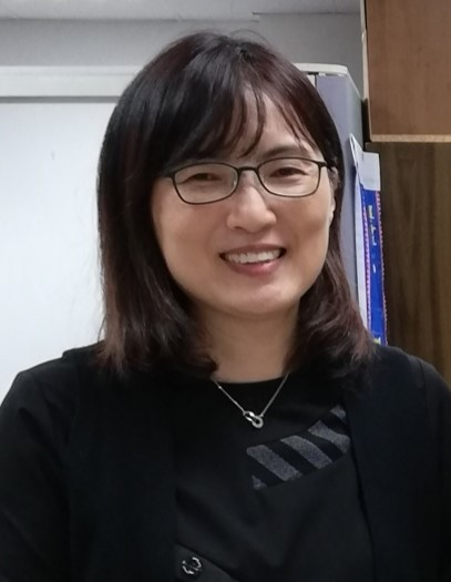 Teaching English and Living in Taiwan Tutors  外籍家教、語言家教, An Experienced English university teacher with national Mandarin teaching certificate image