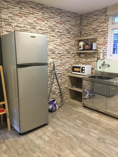 Teaching English and Living in Taiwan Apartments to Share, Spacious double bed room near Taipei 101 in a quiet area (MRT Yongchun and Xiangshan station) image