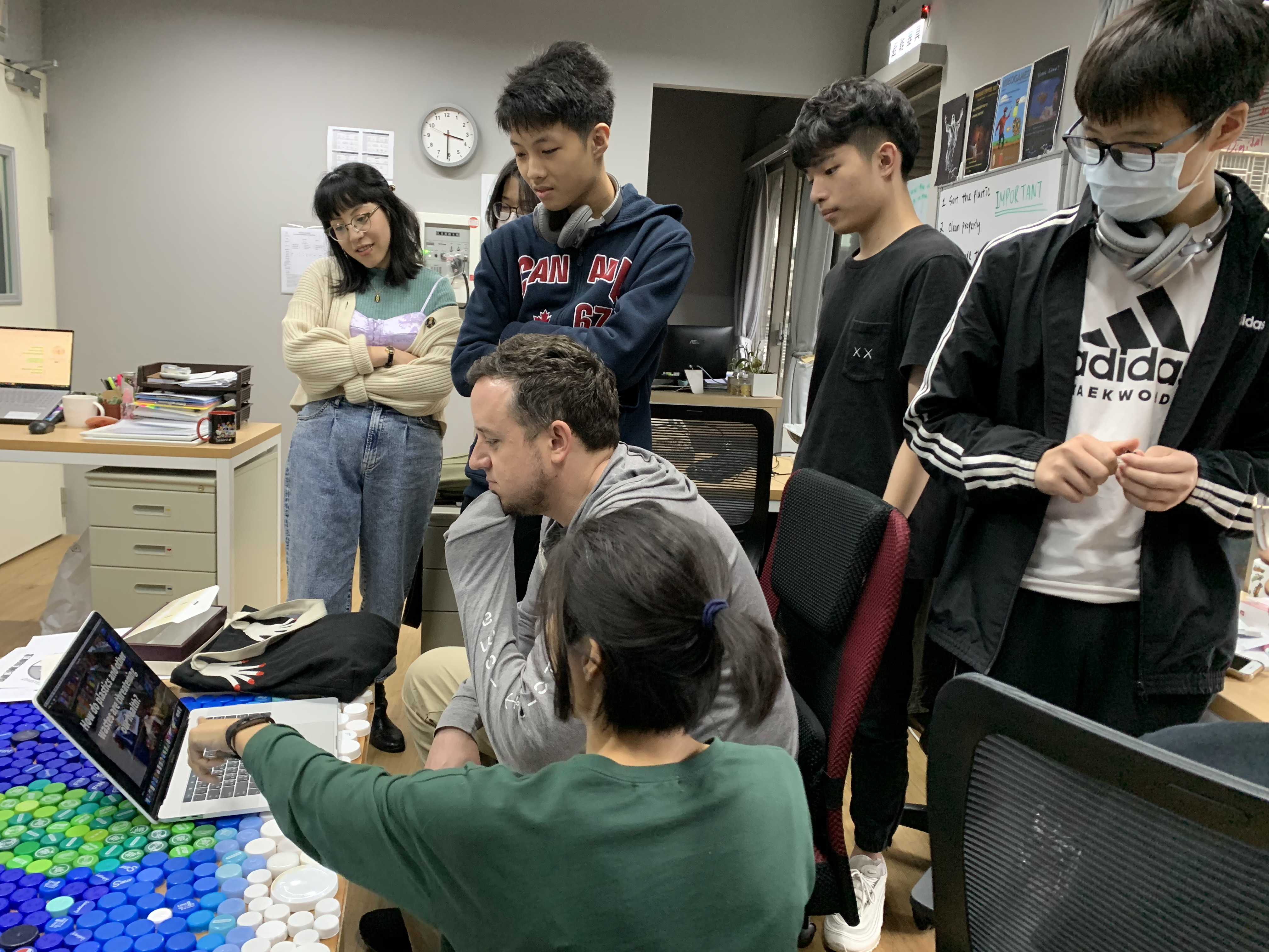 Teaching English and Living in Taiwan Jobs Available 教學工作, VIS@betterworld lab Experimental Education Institution Calling out for Progressive Educators! High School and Middle School image