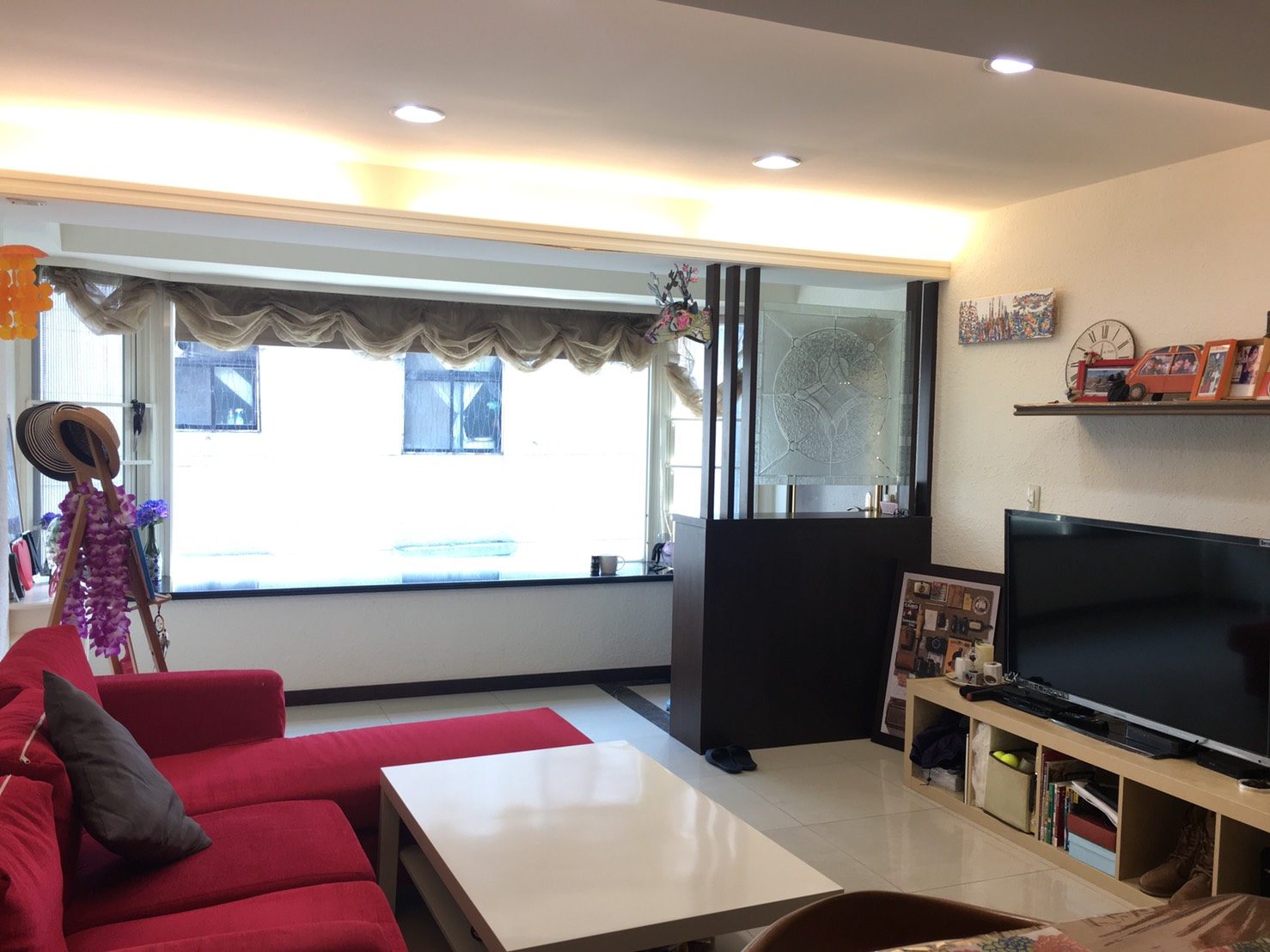 Teaching English and Living in Taiwan Apartments to Share, looking for single female rommate image